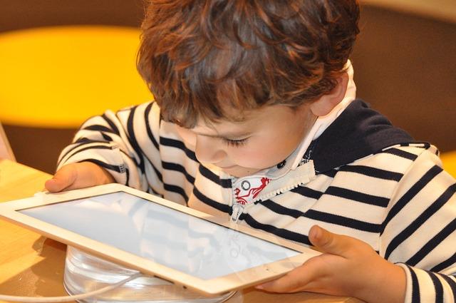 Il faut limiter l'exposition des enfants aux écrans