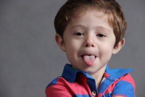 Un point rouge sur la langue est signe de maladie