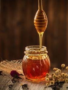un mélange de miel et cannelle pour garder la santé