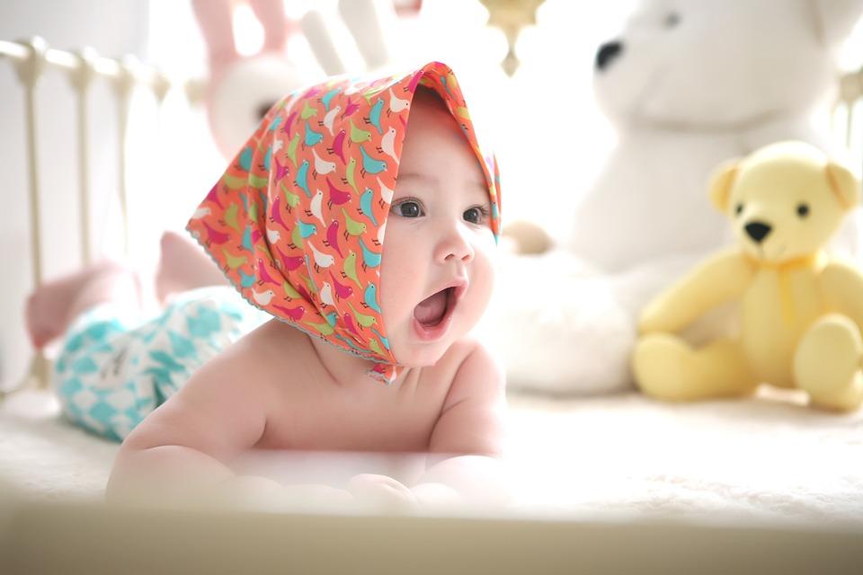 Un matelas pour bébé doit veiller à la qualité de son sommeil, à sa sécurité et à son bien-être.
