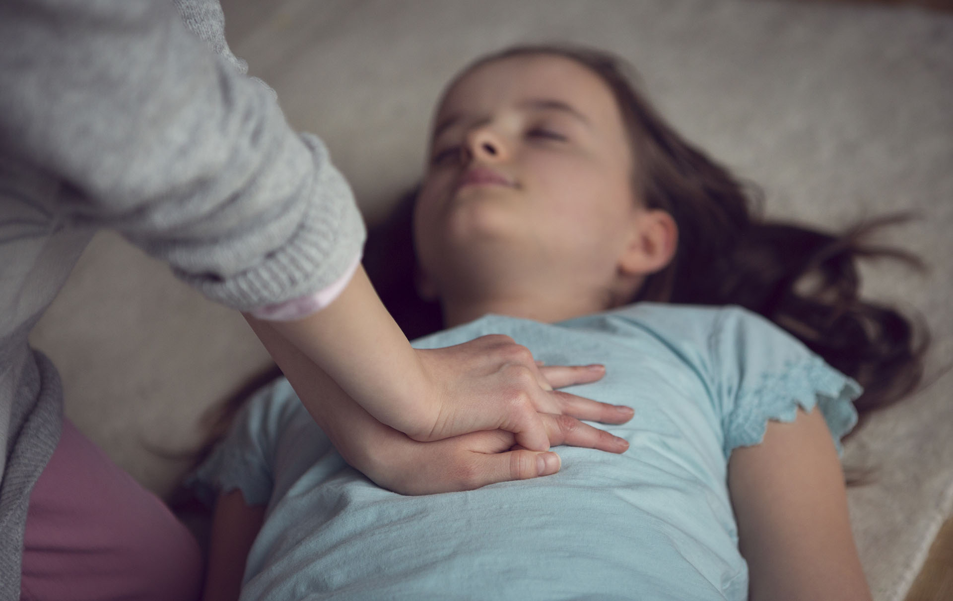Massage cardiaque sur un enfant