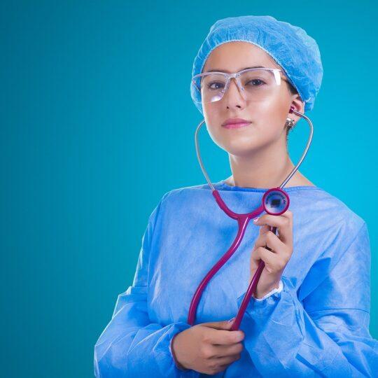 infirmière à Paris sur Internet